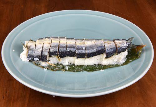 秋刀魚なれ寿し